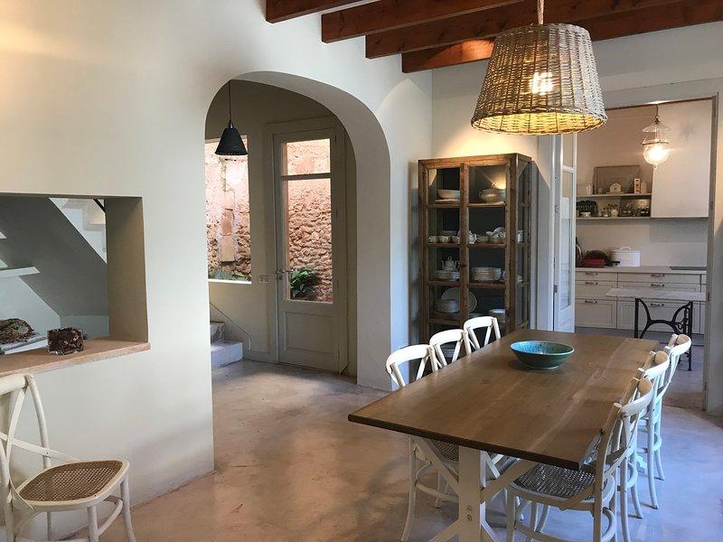 Casa de pueblo a 3 km de la playa, holiday rental in S'Alqueria Blanca