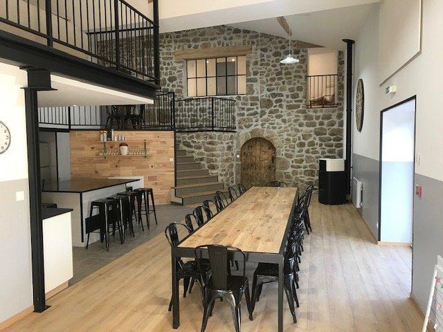 Gîte du Pont Jacquet, salle de réception, hébergement dans le Parc du Pilat, holiday rental in Roisey