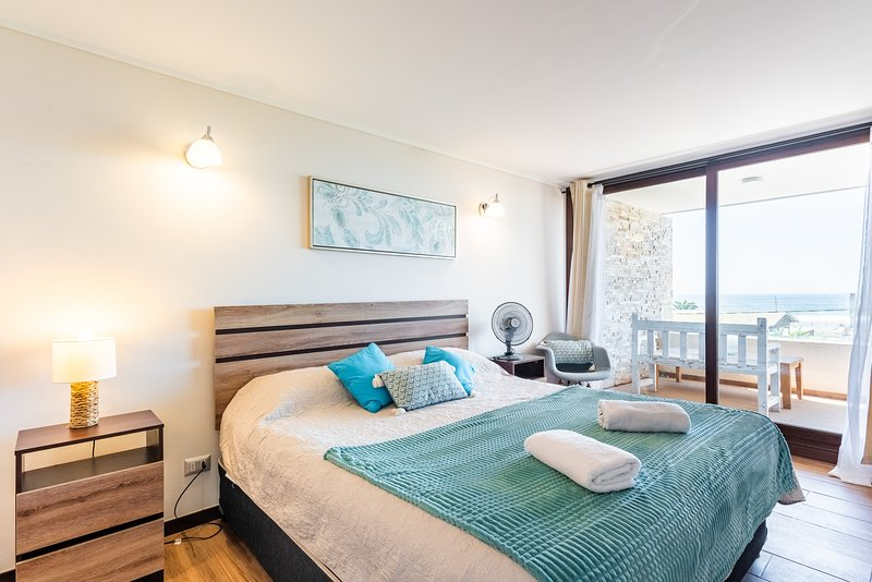 Ocean Drive- 1BR, With Wifi, Parking & Beachfront, location de vacances à Concon
