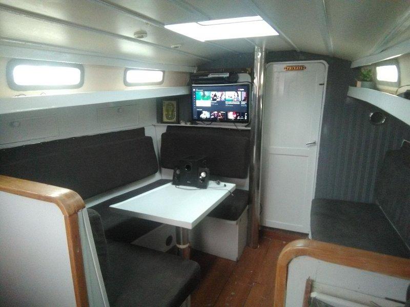 Bnb boat, vacation rental in Sprundel