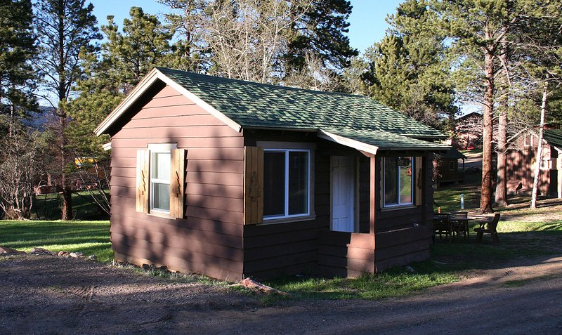 Triple R Cottages: 6, holiday rental in Estes Park