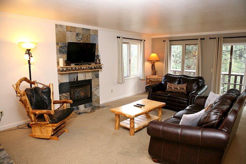 Fawn Valley Inn: 275, vacation rental in Estes Park