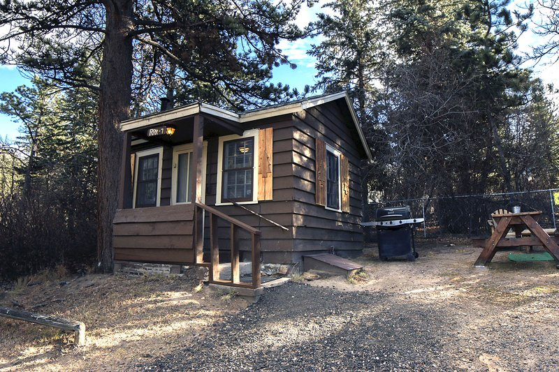 Triple R Cottages: 7, holiday rental in Estes Park