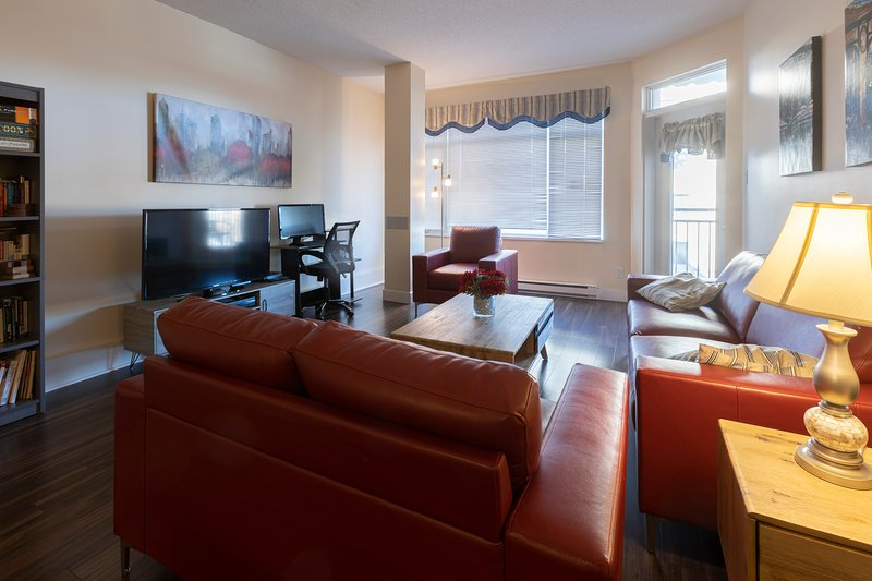 Luxury Condo with Indoor Parking, vacation rental in Quebec City