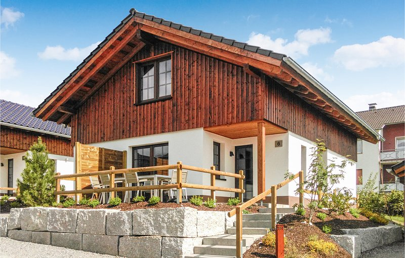 Nice home in Diemelsee-Heringhausen with Sauna, WiFi and 2 Bedrooms (DHE282), holiday rental in Heringhausen
