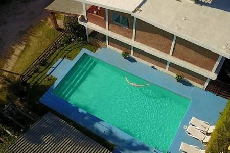 ALQUILER TEMPORARIO DE DEPARTAMENTOS CON PISCINA, aluguéis de temporada em Villa Cura Brochero