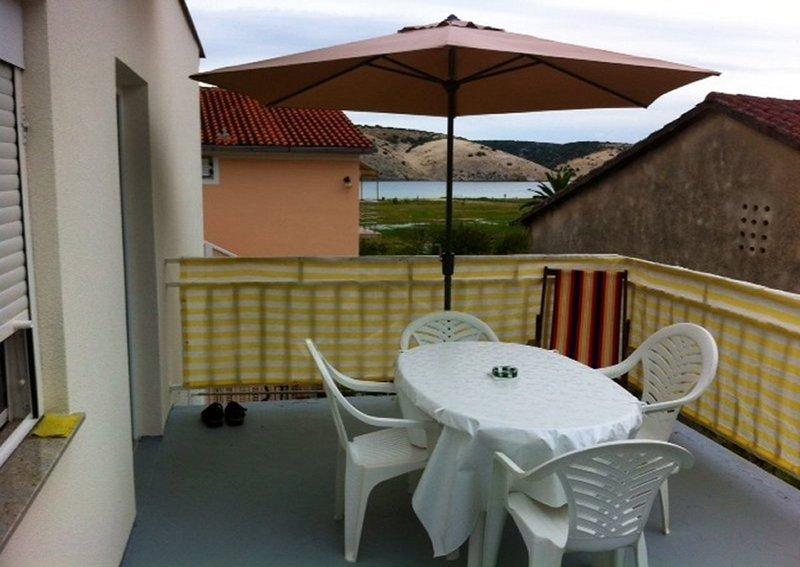 Ferienwohnung 4848-1 für 2+1 Pers. in Lopar, holiday rental in Lopar