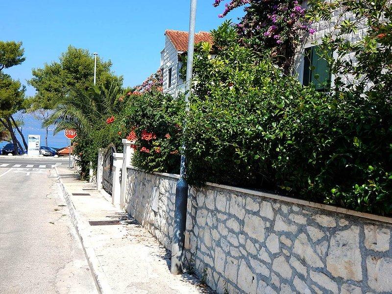 Ferienwohnung 4865-2 für 8+-2 Pers. in Supetar, vacation rental in Supetar