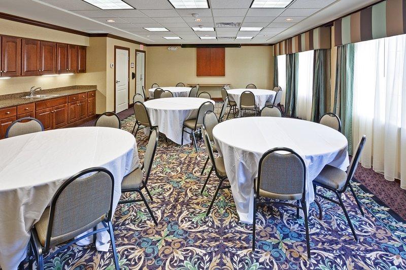 Pedido para usar o espaço da reunião.