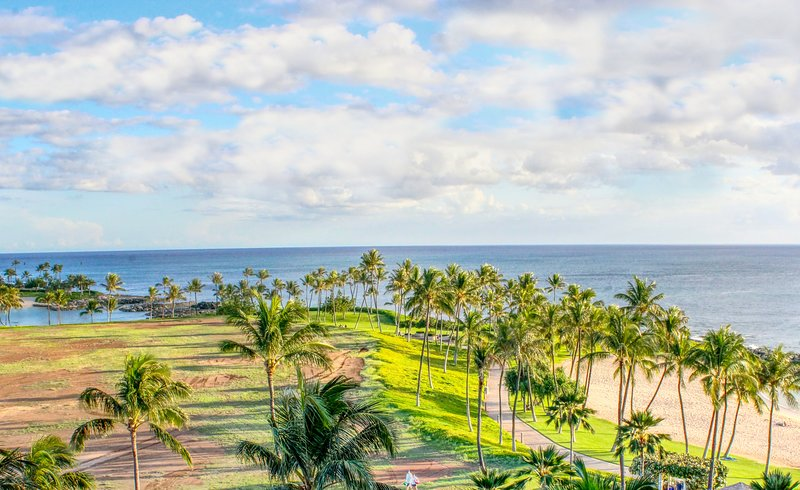 Popular Oceanfront Suite ~ Spacious and breathtaking Pacific Ocean view B703, Ferienwohnung in Kapolei