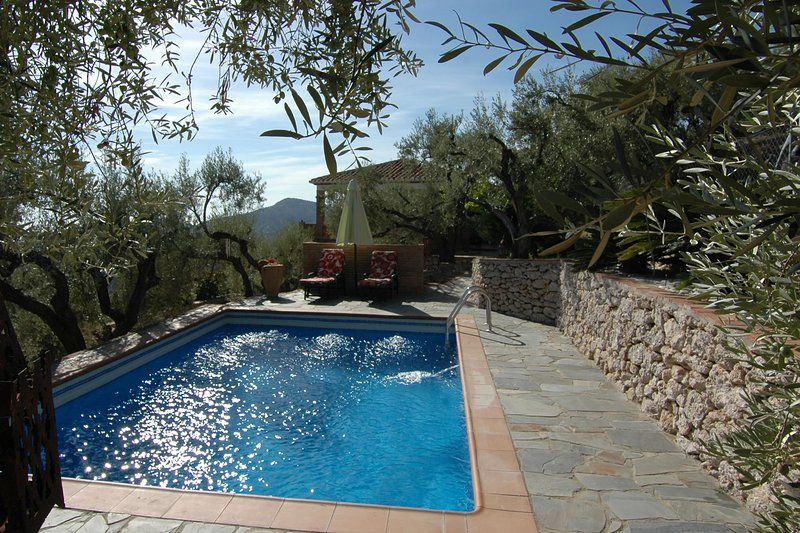 Private cottage in a natural park near Frigiliana, vacation rental in Frigiliana
