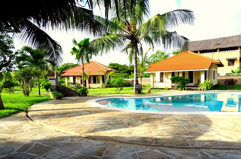 Enjoy luxurious holiday vacations at our scenic cottages at Diani, holiday rental in Diani Beach