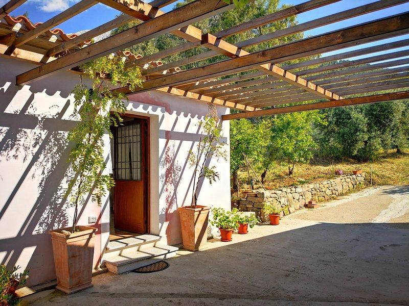 Villa Sa Pruna, holiday rental in Mamoiada