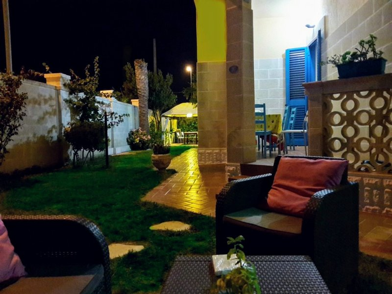 Villa 4 Posti Letto 100 Metri Dal Mare, location de vacances à Casalabate