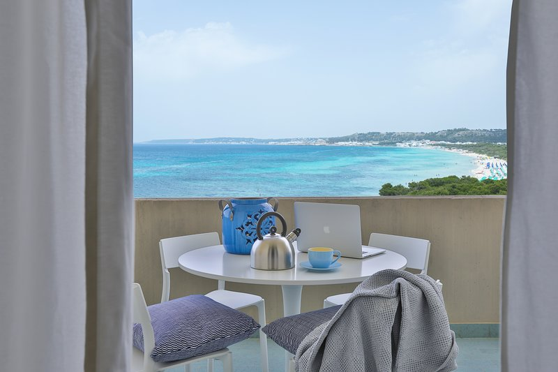 Sip a cappuccino alfresco or enjoy your dinner with stunning ocean views