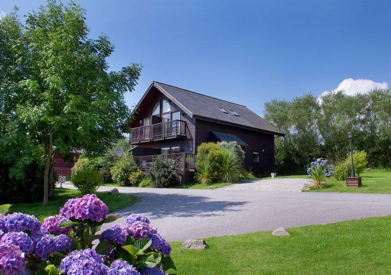 Lowen Lodge, vacation rental in St Columb Major
