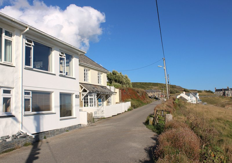 The Lamp House, vacation rental in Porthleven