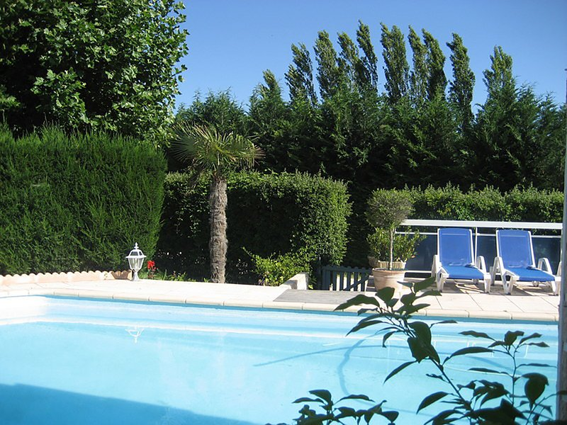 Nice villa with swimming-pool, holiday rental in Rustrel