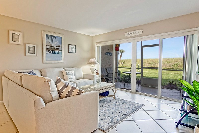 CP 114 Dune View Condo - Welcome to Paradise, holiday rental in Hutchinson Island