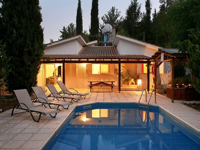 2 Bedroom Villa Levandah, Paphos, Cyprus, holiday rental in Pano Arodes
