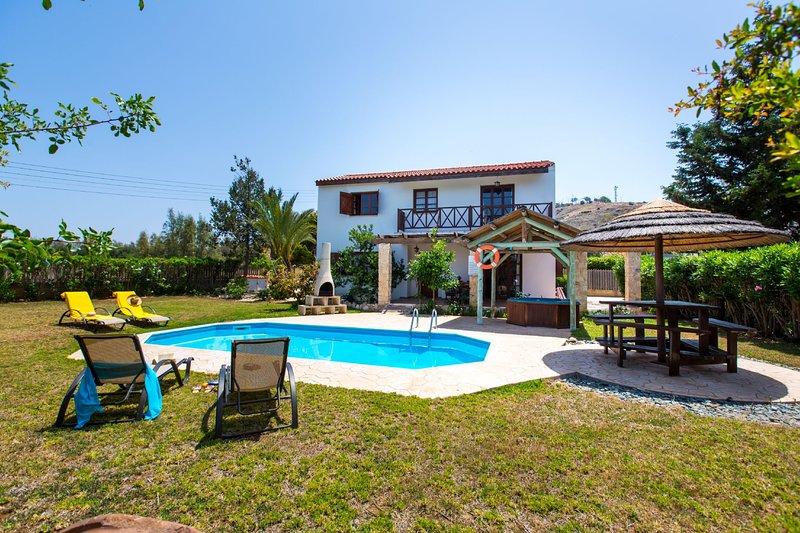 2 Bedroom Villa Pomos, Paphos, Cyprus, location de vacances à Pomos