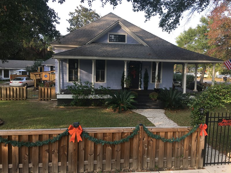 1906 Home with 3 attached bungalows close to downtown and 15 minutes to Pensacola Beach