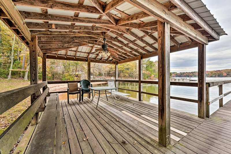 Pet-Friendly Lake Norman Cottage: Swim, Boat, Fish, location de vacances à Denver