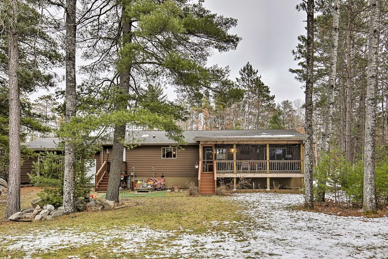 Lakefront Family Getaway w/ Private Deck & Dock!, holiday rental in Star Lake