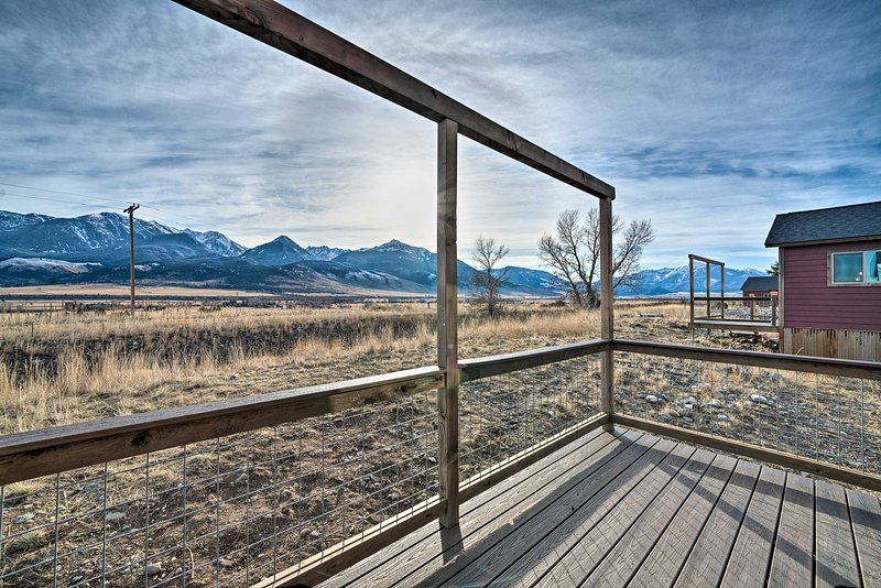 Romantic Mountain Getaway - 1 Hour to Yellowstone!, location de vacances à Prier