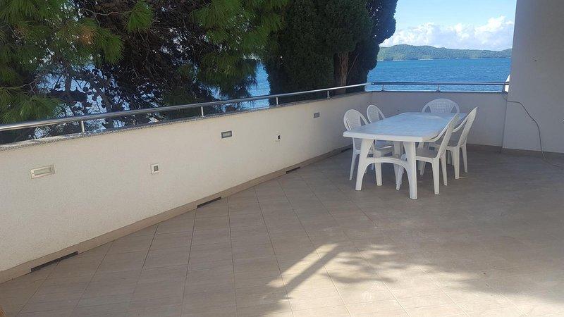 Brodarica Apartment Sleeps 6 with Air Con - 5822429, holiday rental in Krapanj