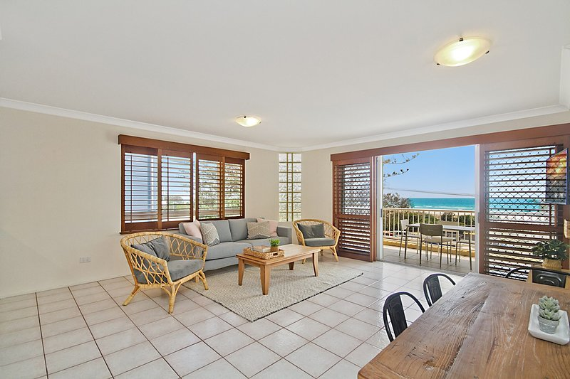 Beach Pines 5 - enjoy relaxed North Kirra Beachfront vibes, vacation rental in Tallebudgera
