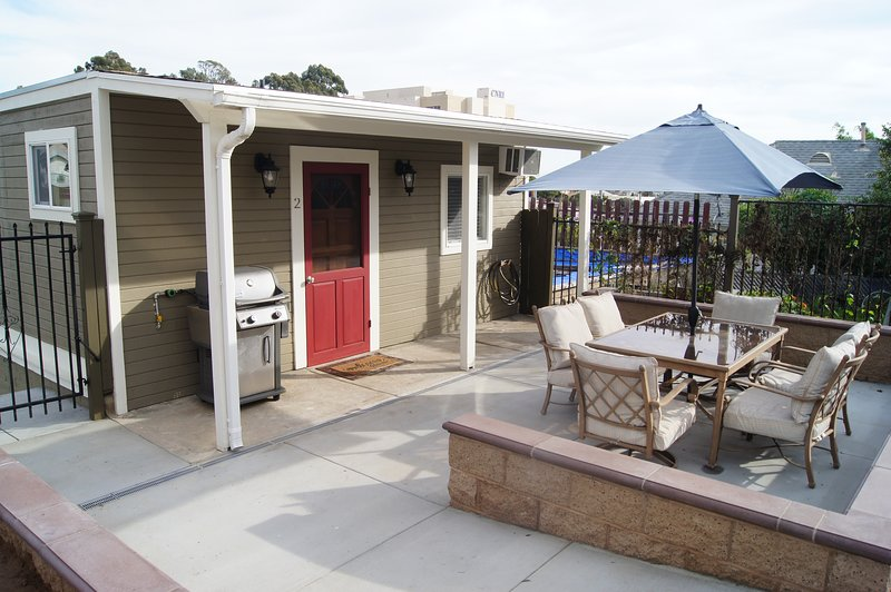 Downtown Victorian Guest Cottage, holiday rental in National City