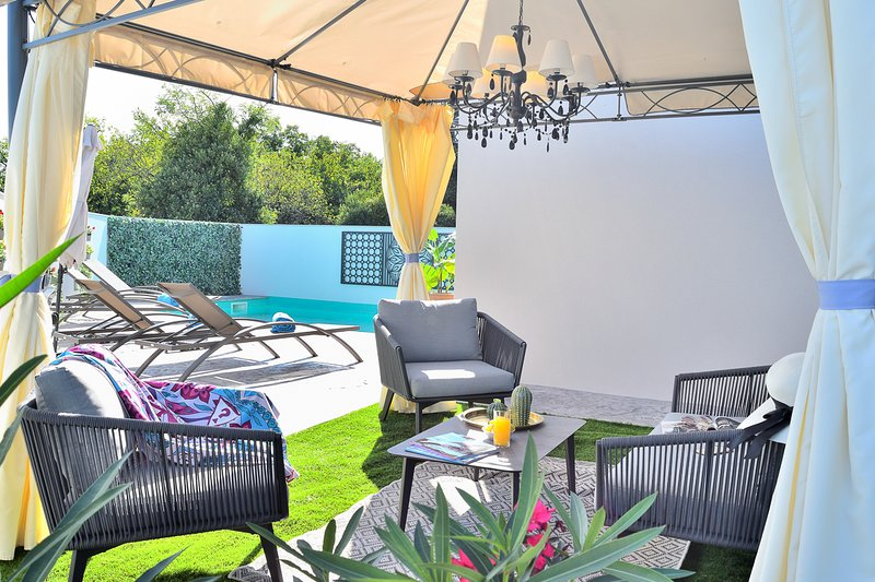 Donje Baredine Villa Sleeps 4 with Pool and Air Con - 5822230, holiday rental in Peroj