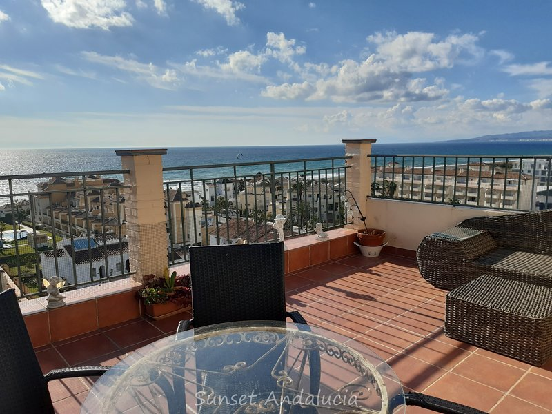 Penthouse with amazing view, vacation rental in El Morche