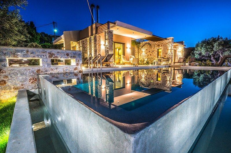 Ariadne Luxury Villa, Daratso Chania, holiday rental in Theriso
