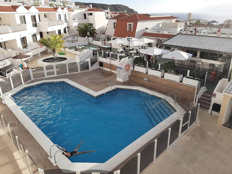 Sea view apartment in Los Cristianos, holiday rental in Los Cristianos