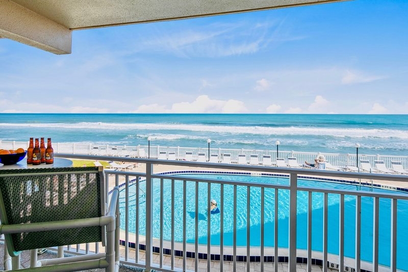 ** DIRECT Oceanfront with Stunning Views - Hear the Waves **, holiday rental in Palm Shores