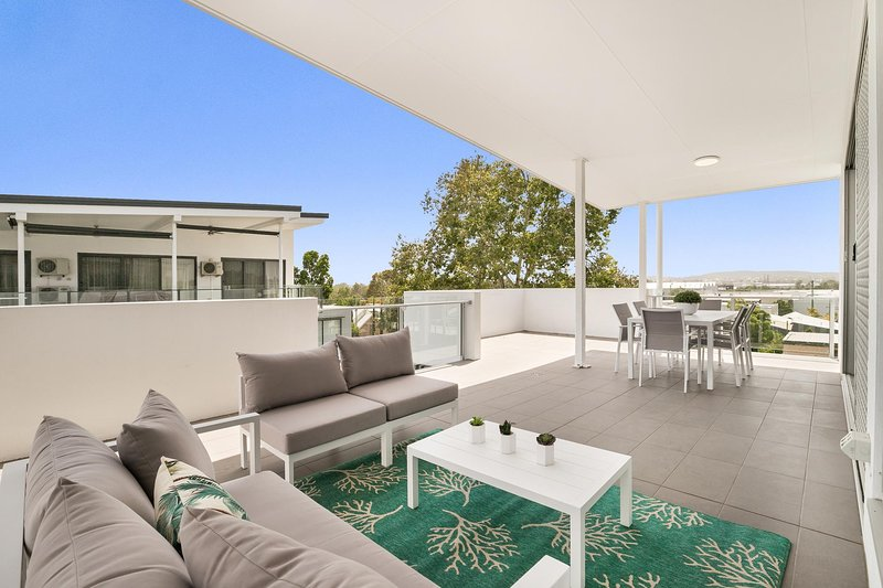 Spacious apartment with generous entertaining, holiday rental in Springwood
