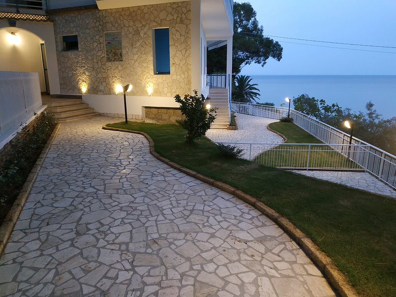 Beautiful house with sea view, vakantiewoning in Amaroni