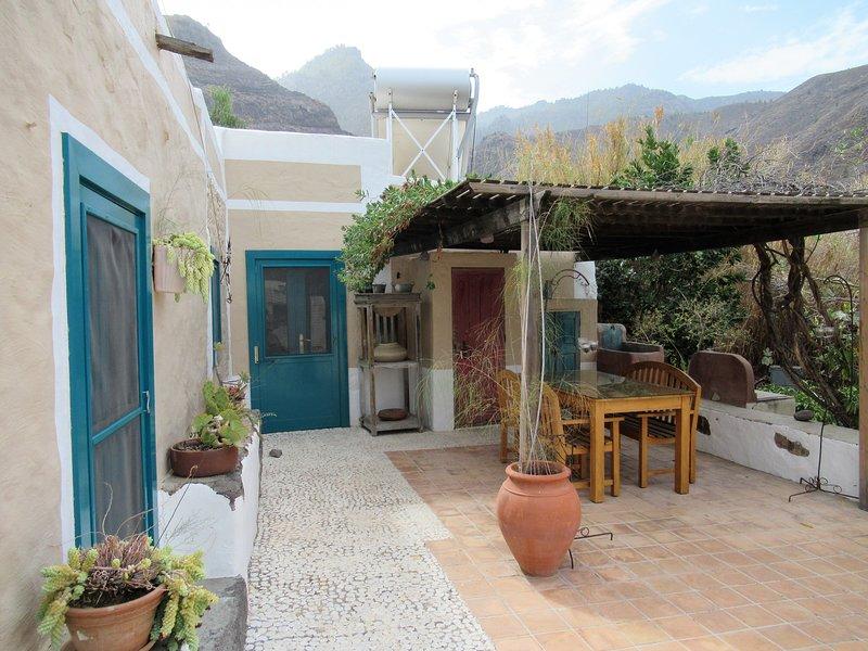 Encantadora casita en el Risco - Agaete con piscin, holiday rental in Agaete