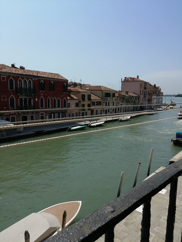 Sweet nest for 2 with Canal view, vacation rental in Cannaregio