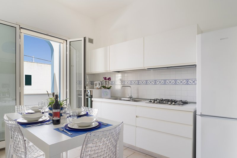 SeaHouses - (House C) Guesthouse in Lido Marini, holiday rental in Lido Marini