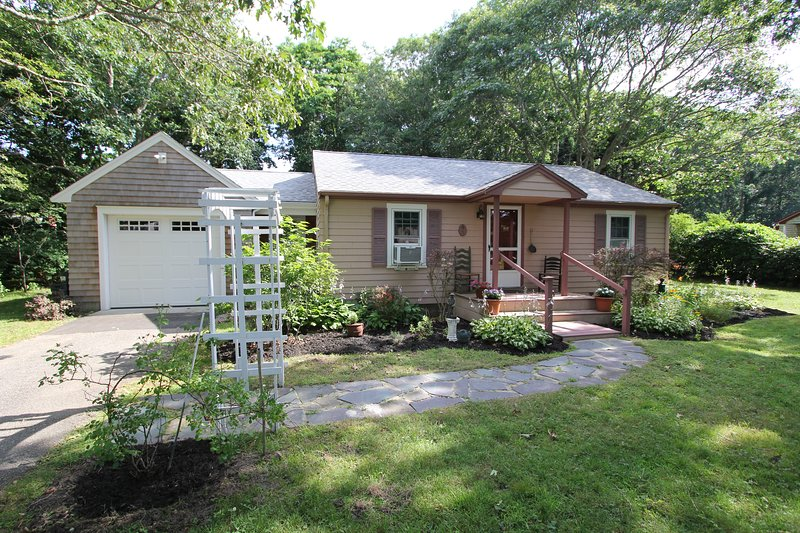 5 Fern Ave, vacation rental in Forestdale
