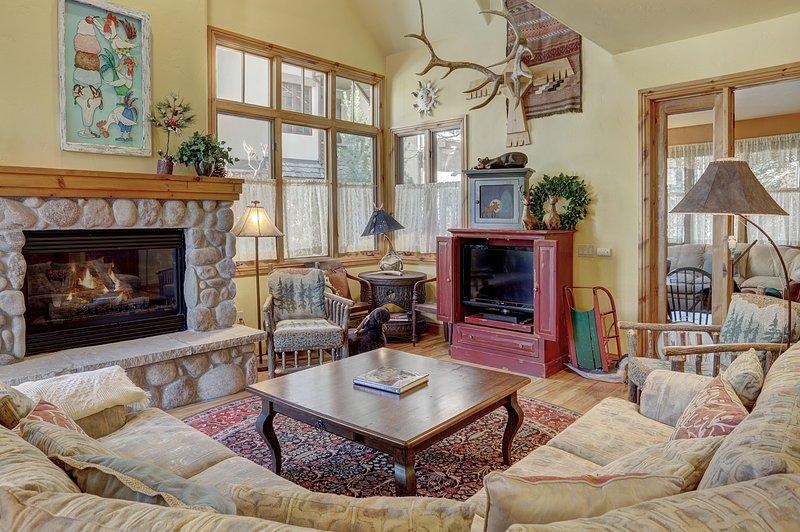 Living Room,Room,Indoors,Hearth,Furniture