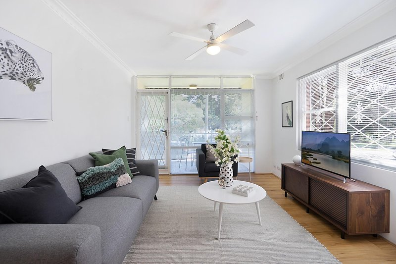 Charming parkside apartment in quiet area, holiday rental in Summer Hill