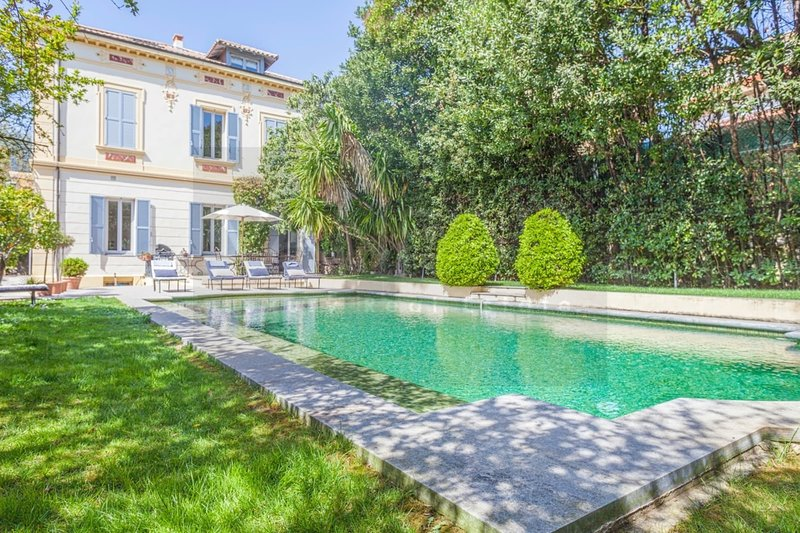 VANEAU ☀️ Magnificent Villa with pool and garden, vacation rental in Cannes