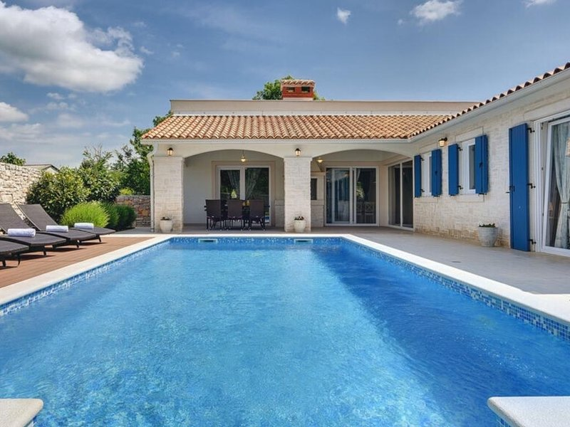 Holiday Home 4816-1 for 8+2 Pers. in Nedescina, holiday rental in Nedescina