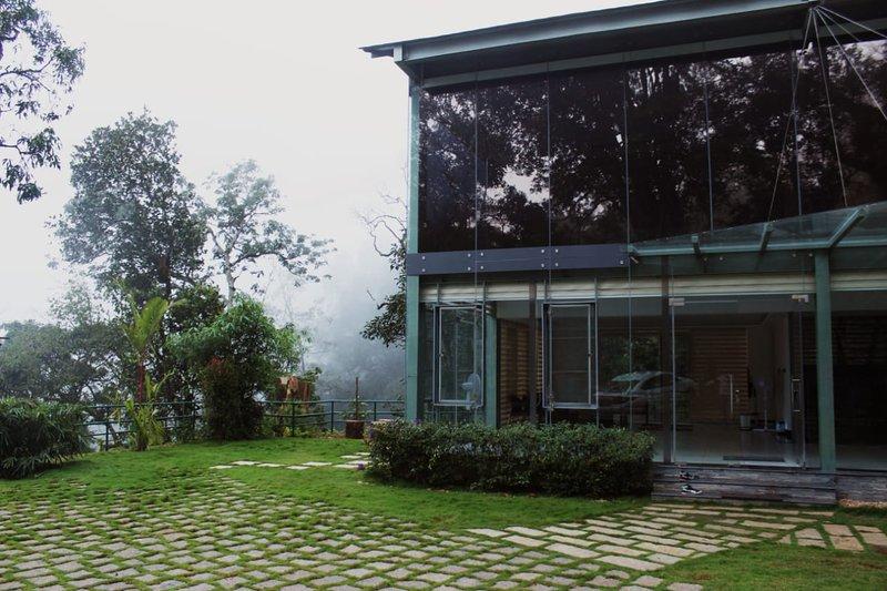 Stallion Estates | Hubloft, holiday rental in Kunjithanny