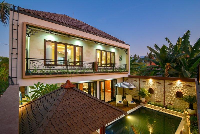 Villa Mozart, holiday rental in Tukadmungga