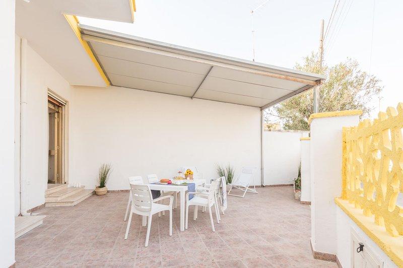 Villetta Mimosa (TL60), vacation rental in Torre Lapillo